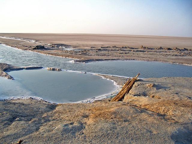 TUNISIE - Une goutte d'eau qui peut percer la pierre
